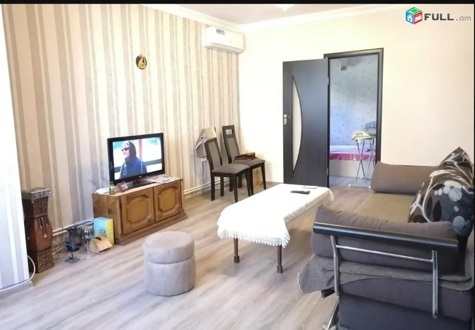LA01574 Վարձով 2 սենյականոց բնակարան Արամ Խաչատրյան փողոցում