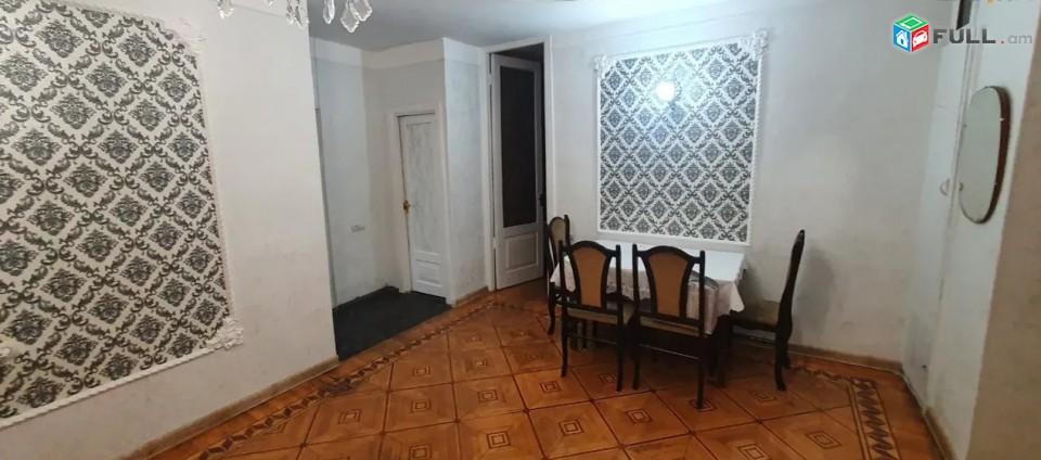 LA01897 Վարձով 3 սենյականոց բնակարան Ամիրյան փողոցում