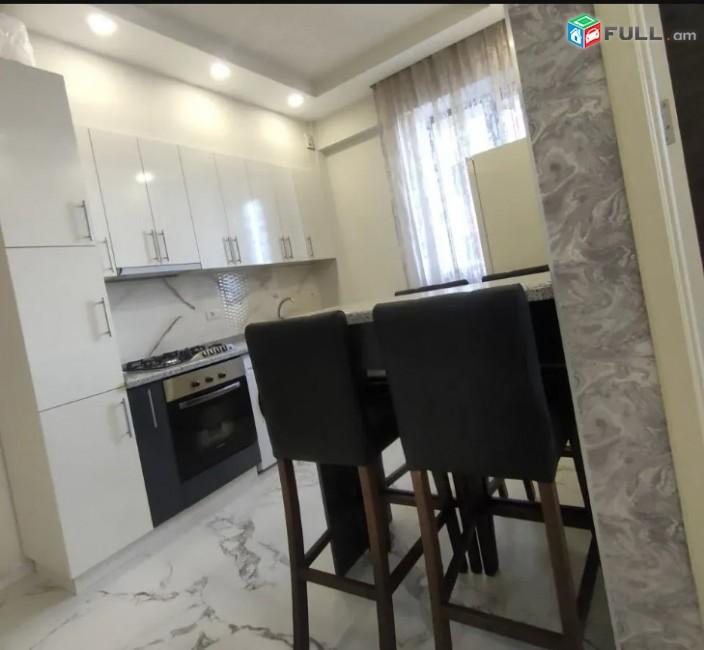 LA01904 Վարձով 3 սենյականոց բնակարան Կոմիտաս , Վաղարշյան խաչմերուկի մոտ նորակառույց