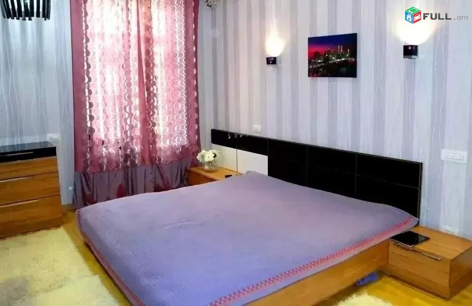 Կոդ 37256  Ամիրյան փողոց 3 սեն. բնակարան Կենտրոն / for rent Amiryan st.