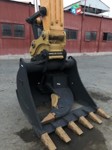 Կատարում ենք հողային շինարարական աշխատանքներ  Hyundai 300 թրթուրավոր էքսկավատրով