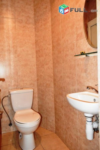 Կոդ 40-05-03-28  Օրավարձով  4 սեն. բնակարան  Մաշտոցի պողոտա