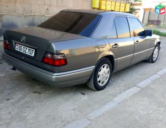 Mercedes-Benz -     E 220 , 1994թ.