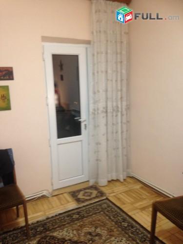 Կապիտալ վերանորոգված բնակարան 5-րդ Մասիվում