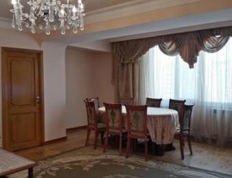 Վաճառվում է 4 սենյականոց բնակարան